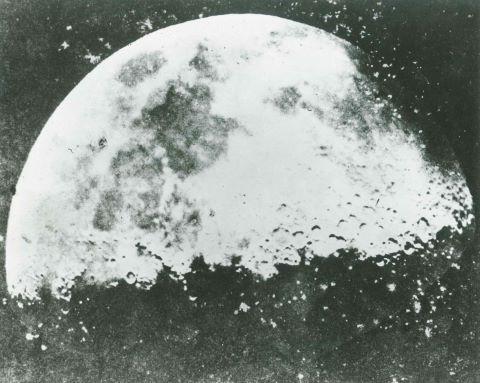 Plus ancienne vue rapprochée de la Lune