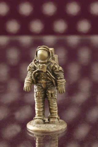 Figurine représentant un astronaute
