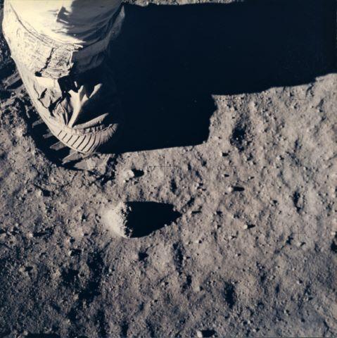La Botte de Buzz Aldrin sur le sol lunaire, Apollo 11