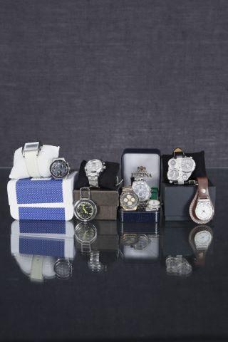 9 montres bracelet d'homme