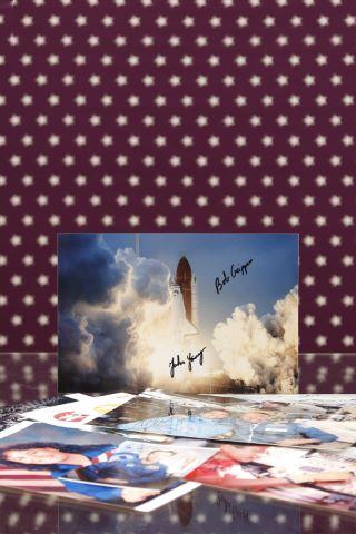 Ensemble de 16 photographies d'astronautes signées