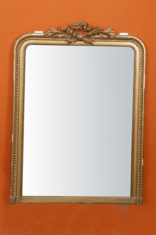 Miroir-trumeau à fronton