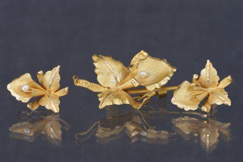 Broche et boucles d'oreilles fleurs
