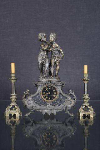 Grande horloge à deux corps [3 pièces]