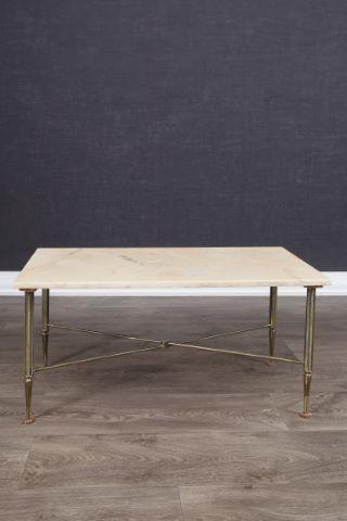 Table basse à entretoise