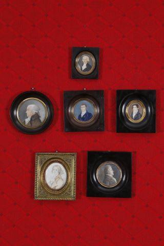 5 miniatures