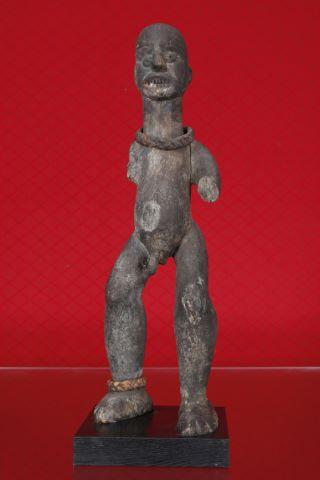 Importante et ancienne statue de chefferie