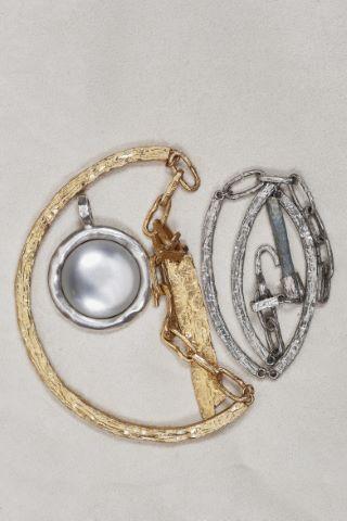 2 colliers pendentif + 1 pendentif rond