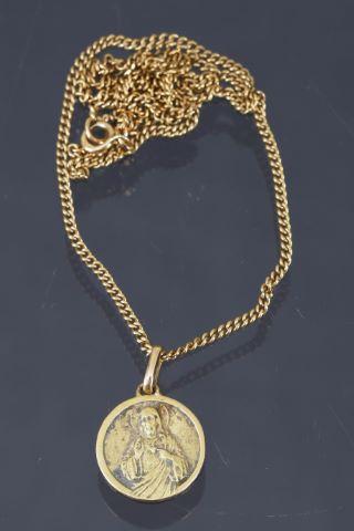 Médaille religieuse et sa chaîne