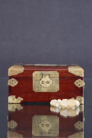 1 bracelet + 1 coffret à bijoux
