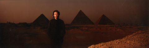 Jean-Michel Jarre devant les pyramides