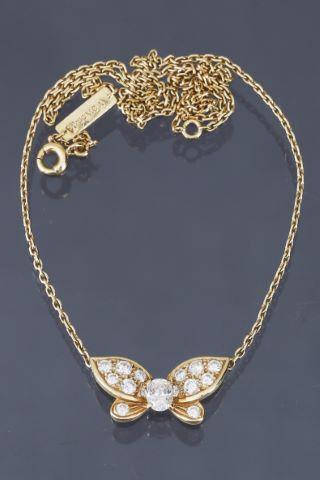 Collier avec pendentif papillon