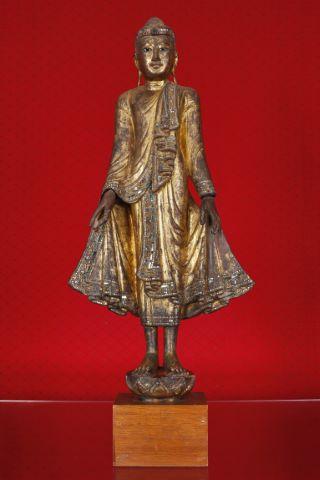 Bouddha debout