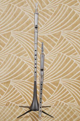 2 flûtes piccolo en étain