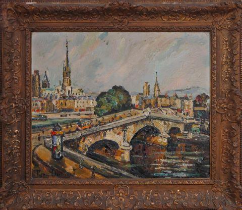 Rouen, le Pont Corneille au passage du Tramway depuis les quais de Seine, au loin la flèche de la Cathédrale