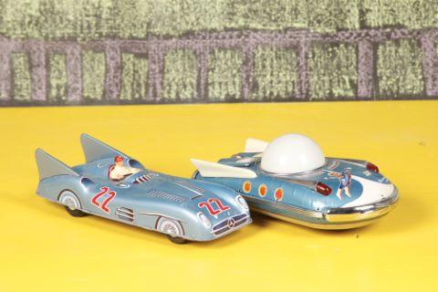 Véhicule lunaire de course et Universal Car-Mercedes